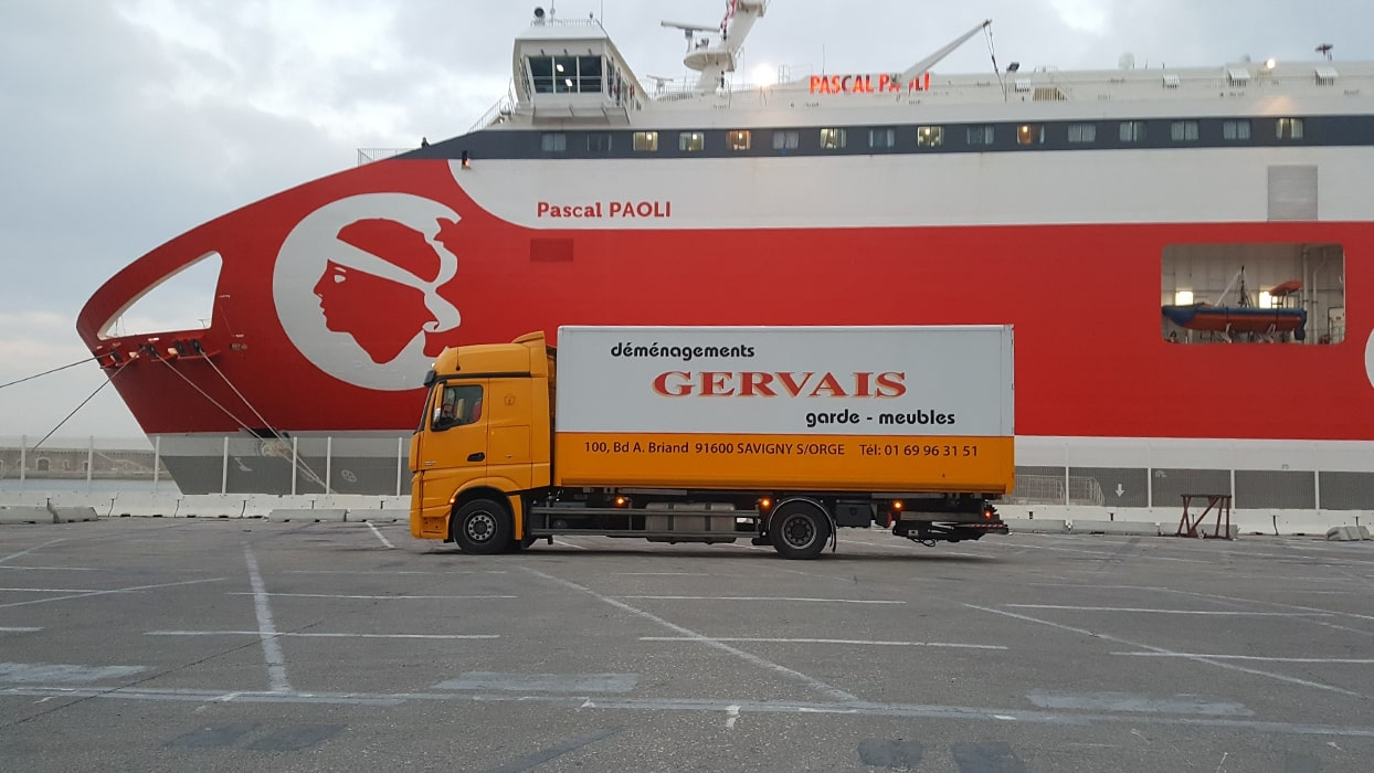 camion-demenagement-port 01